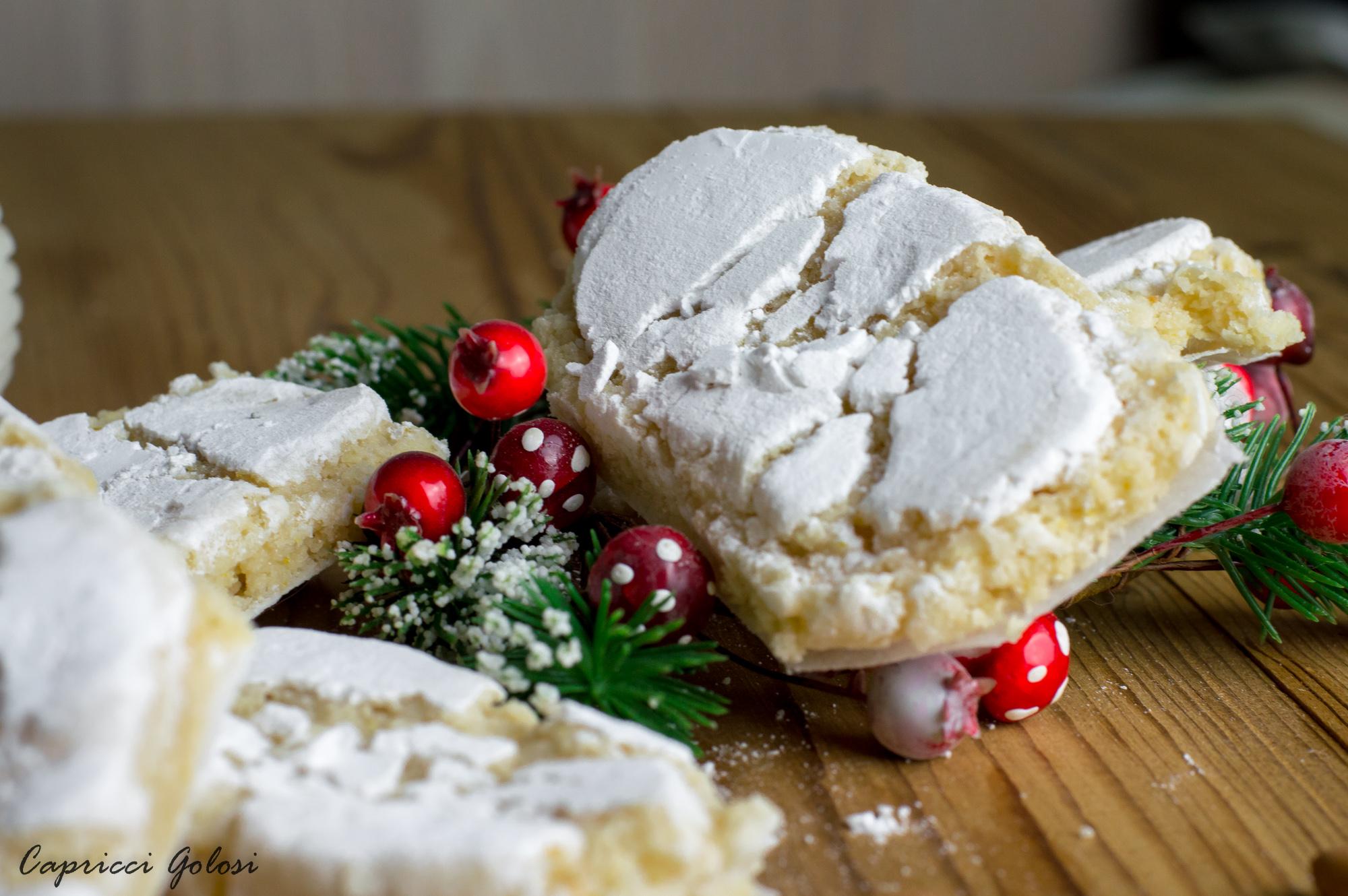 Ricciarelli dolci di Natale